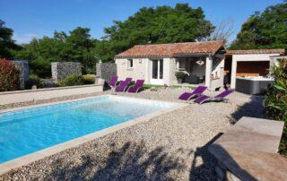 """L'Ardétente – Maison """" L'Instant Présent """" Maison avec piscine et SPA en ardèche méridionale"""