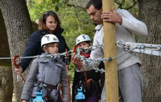 Parcours dans les arbres avec Joncas Aventure