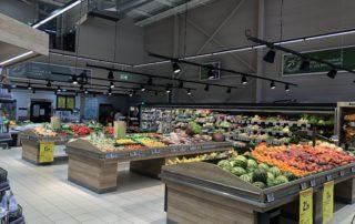 Intermarché - Rayon fruits et légumes à Villeneuve de Berg