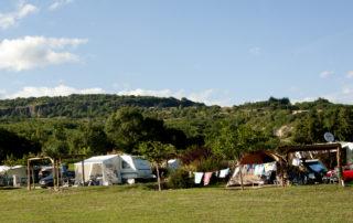 Camping les Arches à St Jean le Centenier - emplacements